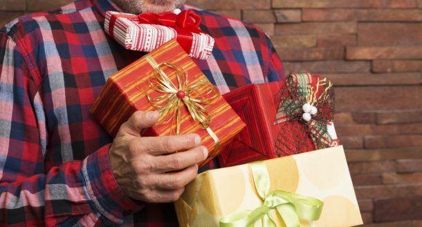 Découvrez les cadeaux que votre père serait ravi d'avoir à Noël ! V2
