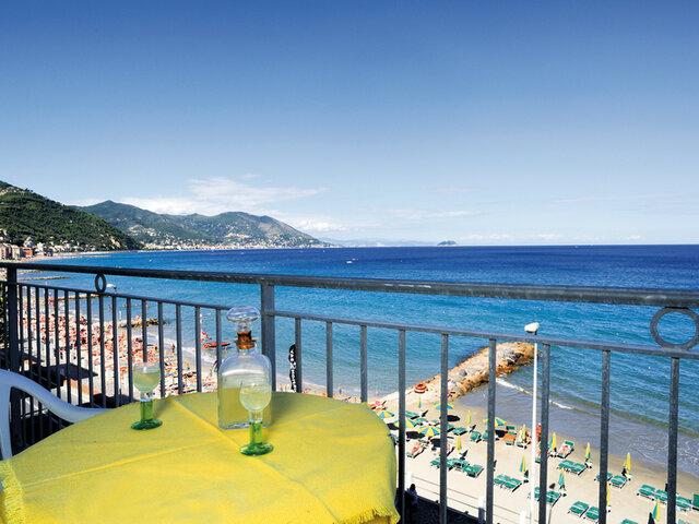 Hotel Bristol*** - Soggiorno in Liguria - Soggiorni - Nostri ...