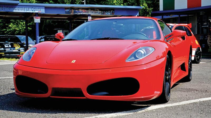 Matrimonio In Ferrari : Ferrari f italia ferrari f ferrari challenge su pista