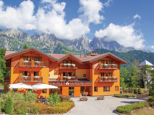 Chalet Giasenei*** - Relax da sogno in Trentino - Soggiorni ...