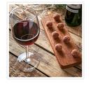 Choklad- och vinprovning för 2 med Sweden Wine Club