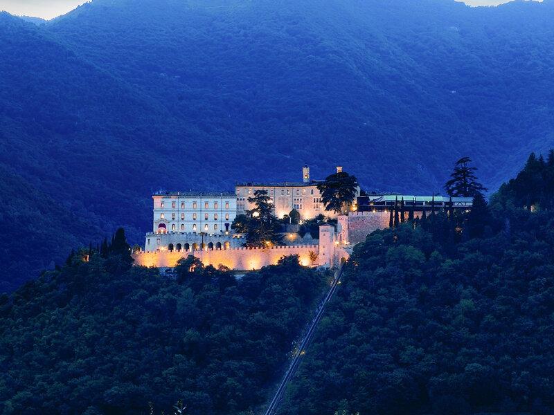 2 romantiche notti con cene in castello - Emozione3