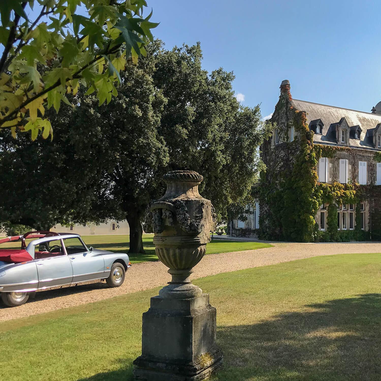Visite du Médoc, vignobles et châteaux, en DS présidentielle avec chauffeur privé (4h)