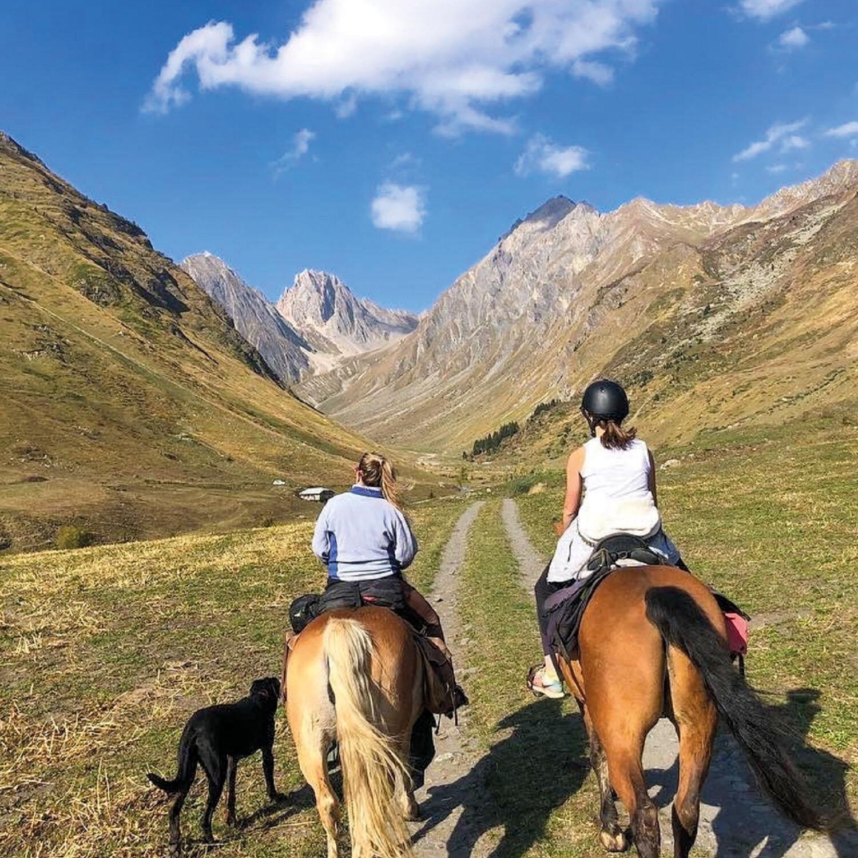 2 jours de randonnée à cheval dans le Beaufortin avec nuit en refuge et repas inclus pour 2