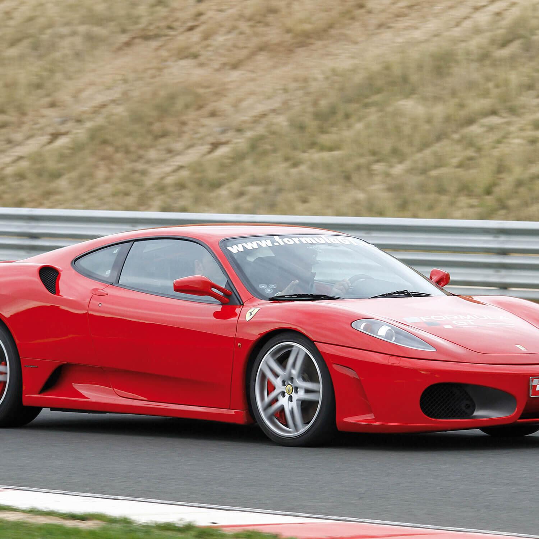 Smartbox |Ruta de 23 km en Ferrari F430 F1 o Lamborghini Gallardo y noche de hotel