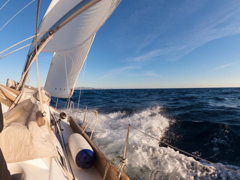 Le migliori proposte per 1 gita in barca a vela per 2 ...