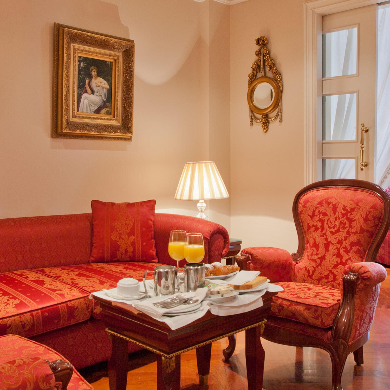 1 noche en suite con desayuno en Hotel Alameda Palace 5* en Salamanca