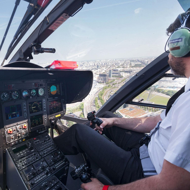 Vol découverte de Paris et du château de Versailles en hélicoptère de 25 min pour 2 personnes