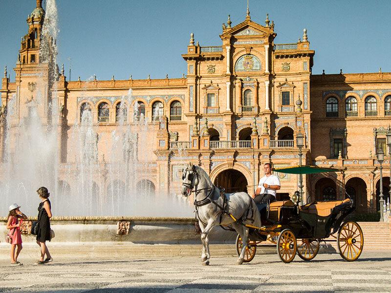 1 paseo romántico en coche de caballos por Sevilla (45 min)