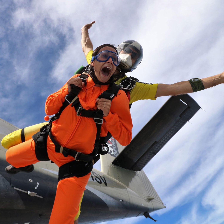 1 salto en paracaídas a 4000 metros de altitud