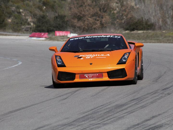 Conduce Un Lamborghini Gallardo Por Carretera Conduce Un