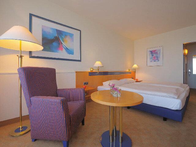 Dorint Hotel Sportresort Arnsberg Sauerland 2 Nights In Europe Short Breaks Our Smartbox