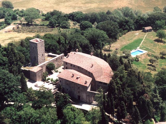 Castello di Petroia**** - Soggiorno in castelli da favola ...