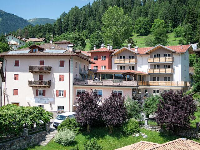 Hotel Margherita*** - Relax da sogno in Trentino - Soggiorni ...